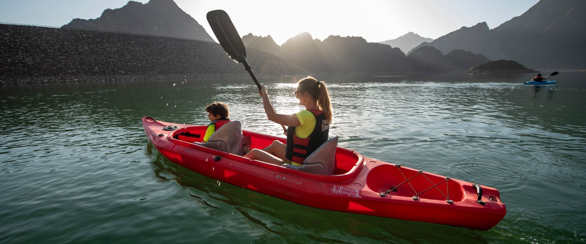 Visit-Hatta-explore-kayaking