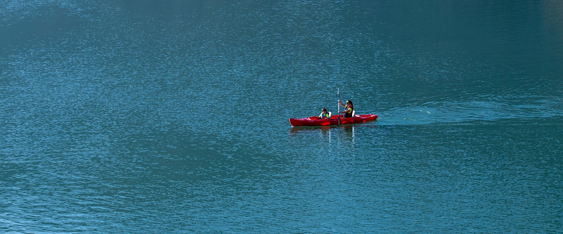 Visit-Hatta-Kayaking-boating